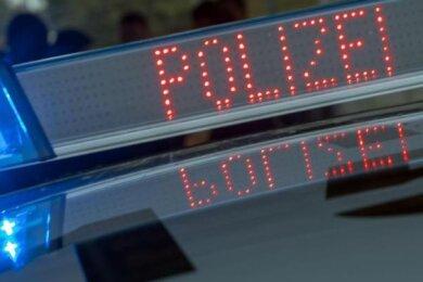 """Ein Skoda in Döbeln und ein Kleintransporter in Ostrau sind in der Nacht zum Dienstag entwendet worden. Die Soko """"Kfz"""" des Landeskriminalamtes ermittelt wegen besonders schwerem Diebstahl."""