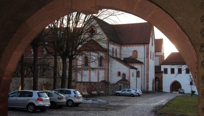 Das Wechselburger Kloster mit der Basilika ist als Touristenmagnet und Wallfahrtsziel bekannt. Nun bestimmt erneut der Missbrauchsskandal von Ettal die öffentliche Debatte.