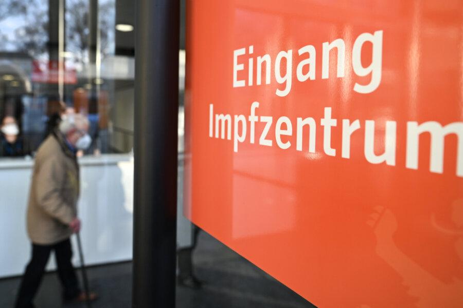 Corona-Impfungen mit Astrazeneca laufen Samstag in Sachsen wieder an