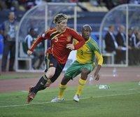 Fernando Torres (l.) im Zweikampf mit Tsepo Masilela