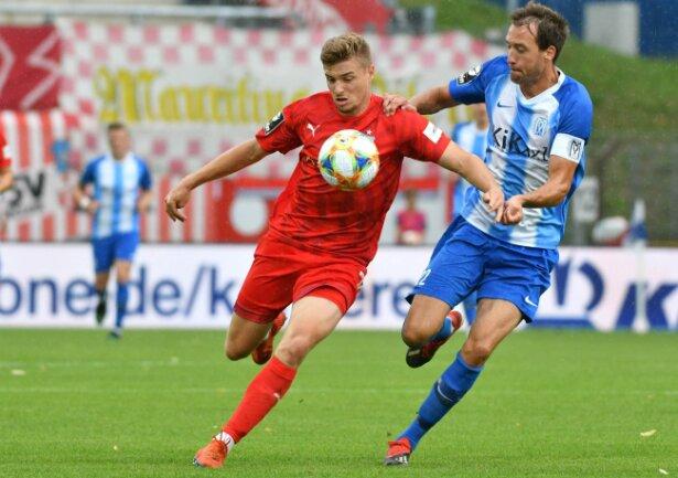 Elias Huth (l.), hier gegen Meppen, überzeugte in Würzburg erneut. So wie schon nach seiner Einwechslung gegen Kaiserslautern.