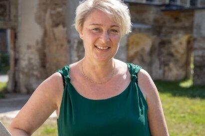 Berit Schiefer ist 48 Jahre alt. Sie hat drei Kinder und wohnt in Schönbrunn. 2013 wurde sie im zweiten Wahlgang mit 57,11 Prozent der Stimmen zur Bürgermeisterin von Thermalbad Wiesenbad gewählt.