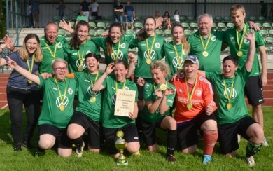 Einseitig verlief des Frauen-Endspiel. Pokalsieger SV Merkur Oelsnitz fertigte den SV Eintracht Eichigt 9:0 (7:0) ab. Nach der Pause stemmten sich die Eichigterinnen erfolgreich gegen die drohende zweistellige Niederlage.