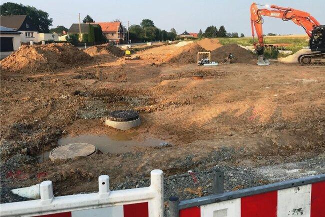 Das neue Baugebiet im Ortsteil Brunn sorgt für schlechte Stimmung bei den Anwohnern. Sie sehen die Entwässerung nicht geklärt.