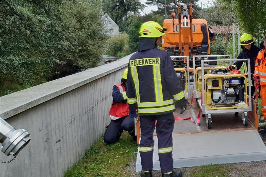 Gut geklappt: Übung der Ortsfeuerwehren Helbigsdorf, Mulda und Zethau an der Freiberger Mulde.