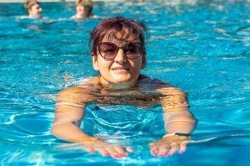 Heike Wunderlich aus Schreiersgrün kommt regelmäßig ins Bad. Wenn es passt, bucht sie auch mehrere Zeitblöcke hintereinander.Foto: D. Rötzschke
