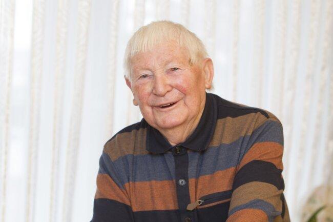 Karl Kämpf - Der Plauener hat mit 91 Jahren ein offenes Ohr für Sorgen.