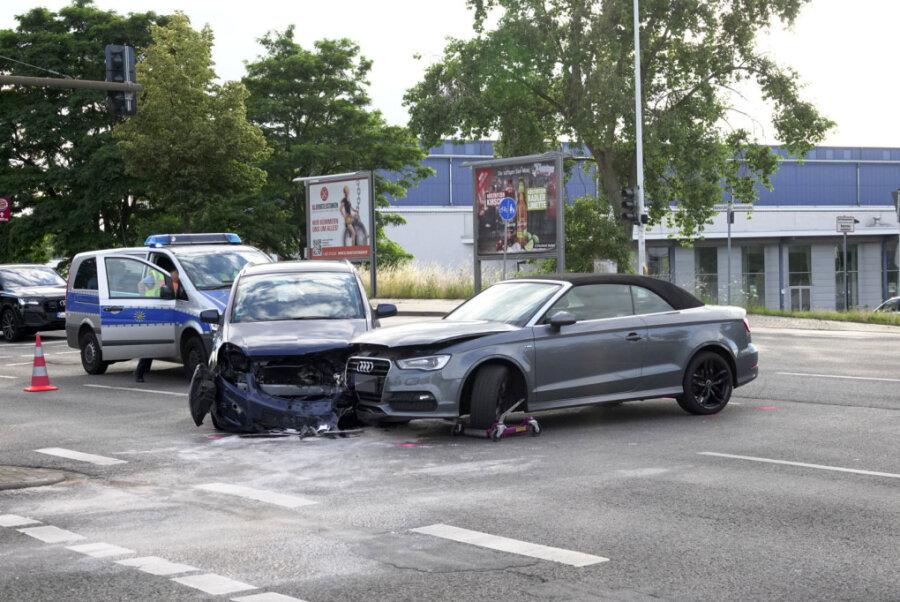Zwei Verletzte bei Kollision an der Neefestraße