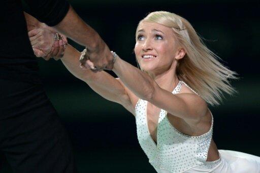 Olympiasiegerin Savchenko wid Trainerin von US-Paar