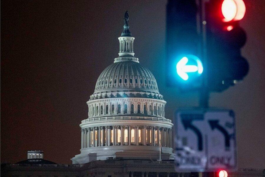 Das Kapitol in Washington, der Sitz des US-Kongresses. Beide Kammern des Parlaments sind am Sonntag zur konstituierenden Sitzung zusammengekommen. Der eigentliche Showdown kommt aber erst noch.