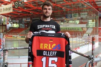 Ole Olleff bleibt bei den Eispiraten Crimmitschau.