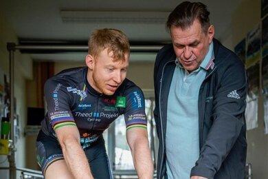Bahnradsprinter Joachim Eilers trainiert am 2.2.2021 zusammen mit Micha Hübner am Olympiastützpunkt