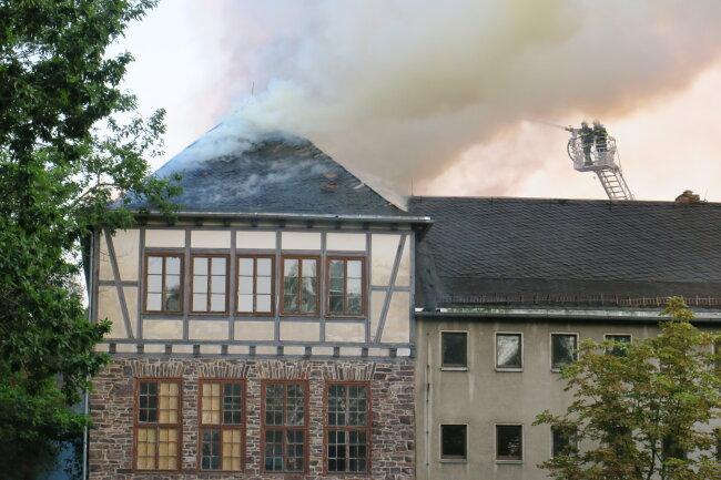 Die Feuerwehren von Aue, Bad Schlema, Lösnitz, Wildbach und Alberoda waren im Einsatz.