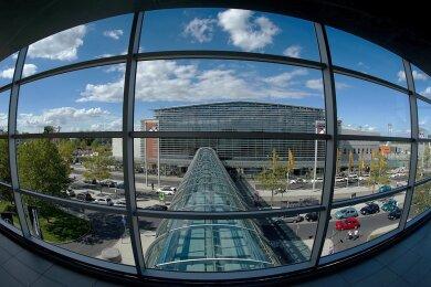 Die Passagierzahlen sind auf dem Airport Dresden im Januar im Vergleich zum Vorjahr eingebrochen. Aktuell fliegt nur noch die Lufthansa ein paar Mal die Woche von dort aus nach Frankfurt und zurück.