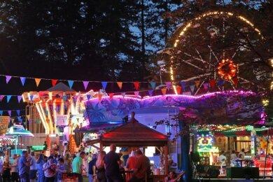 Vergangenes Jahr fiel das Bergfest pandemiebedingt ins Wasser. Jetzt durfte auf dem Pfaffenberg in Hohenstein-Ernstthal endlich wieder gefeiert werden - allerdings mit begrenzter Besucherzahl. Die Veranstalter sind dennoch zufrieden.