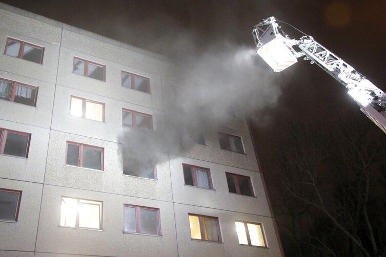 Im dritten Obergeschoss der Asylunterkunft brach am Mittwochabend das Feuer aus.