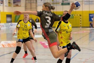 Mit neun Toren hatte Lena Hausherr großen Anteil am klaren 29:18-Sieg beim HC Rödertal. Das Hinspiel hatte Zwickau nur 31:29 gewonnen.
