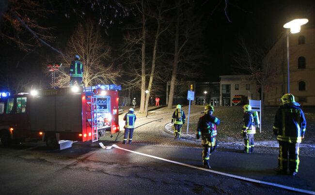 Die Freiwillige Feuerwehr Bernsdorf hatte das Feuer schnell unter Kontrolle.