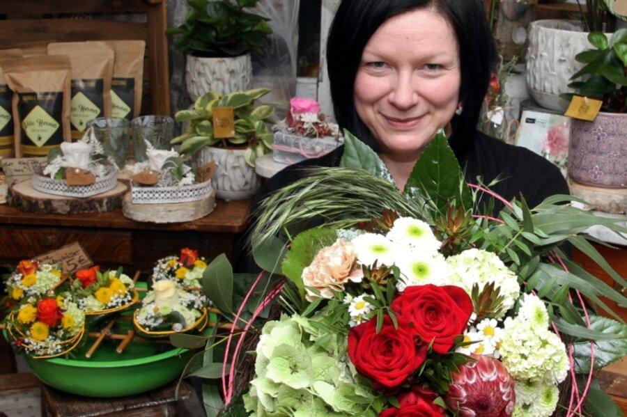 Sandra Weber hat das Blumengeschäft in Zinnberg vor zwei Jahren von ihrer Mutter übernommen. Ihr Spezialgebiet sind Brautsträuße.