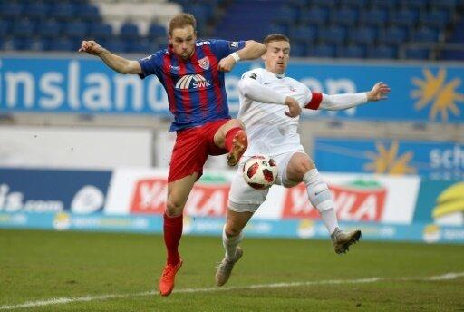 Krawalle nach dem Spiel zwischen Uerdingen und Rostock