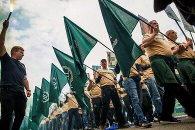 """2019 marschierte der rechtsextreme """"Dritte Weg"""" in Plauen auf, was bundesweit für Entsetzen sorgte."""