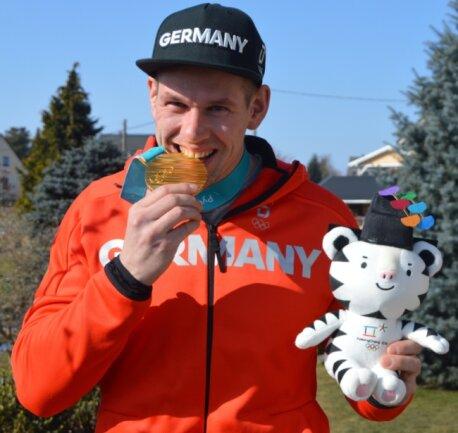 Auf den Geschmack gekommen: Nach seiner Goldmedaille bei den Olympischen Spielen 2018 in Pyeongchang will Bob-Anschieber Candy Bauer auch 2022 in Peking noch einmal angreifen.