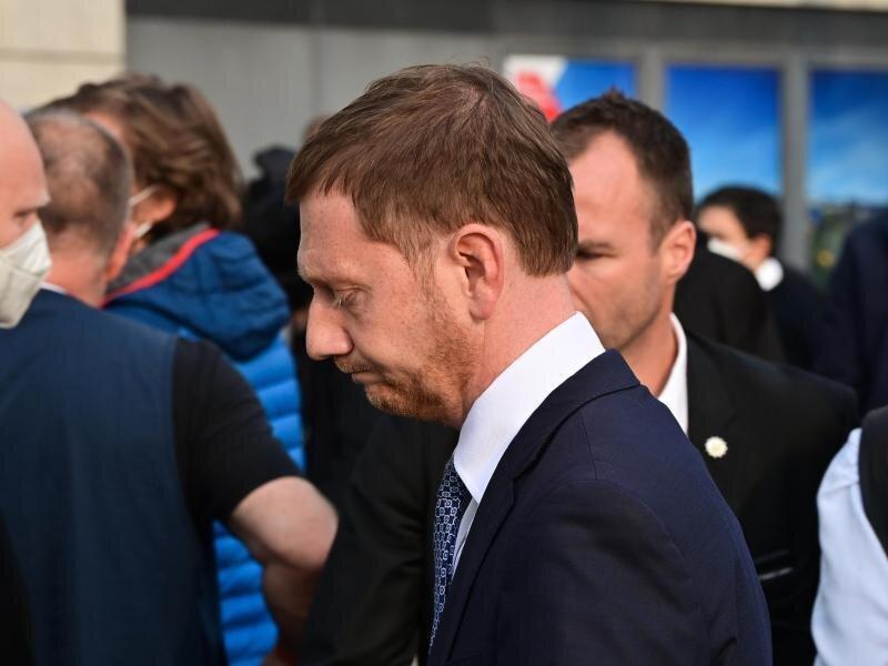Sachsens Ministerpräsident Michael Kretschmer (CDU) kommt nach der Bundestagswahl zu den Gremiensitzungen der Partei.