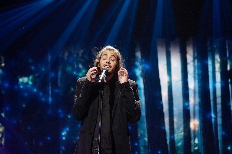 "Salvador Sobral aus Portugal gewinnt mit ""Amor Pelos Dois"" den Eurovision Song Contest 2017."