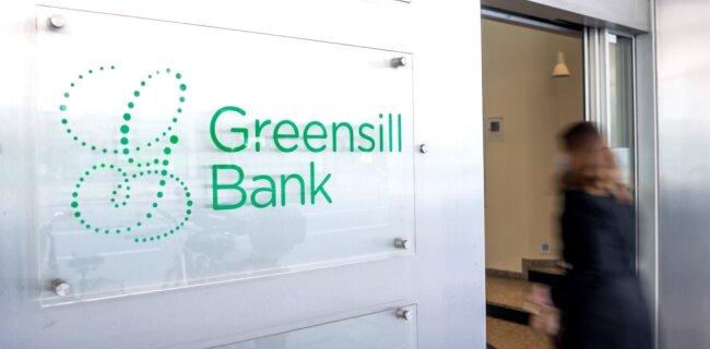 Der Erzgebirgskreis bangt um fünf Millionen Euro. Für die Greensill Bank, bei der das Geld angelegt wurde, ist ein Insolvenzantrag gestellt.