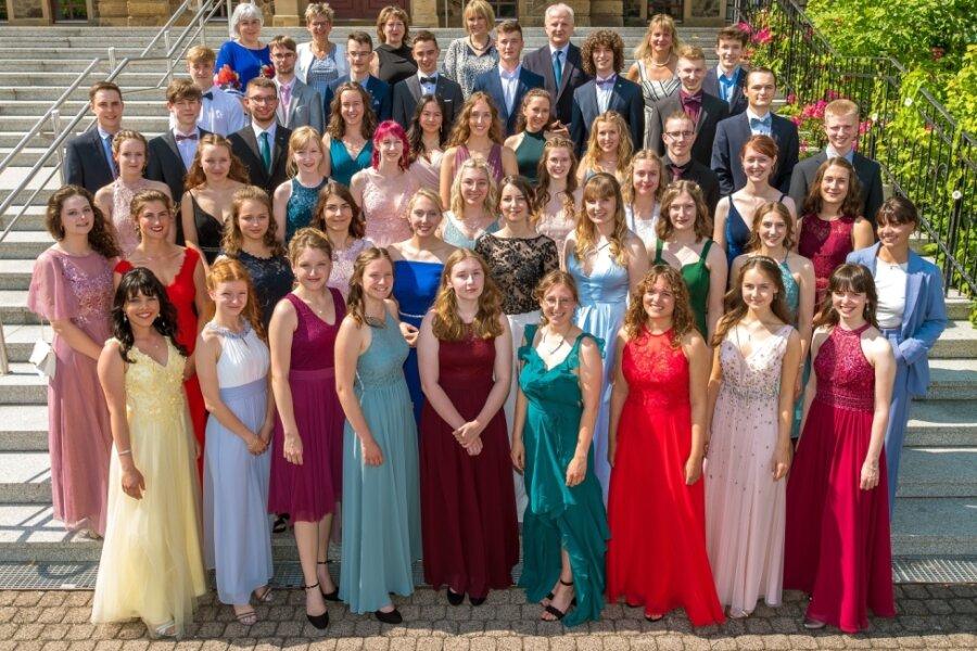 Abitur 2021: Marienberger Gymnasiasten präsentieren sich festlich