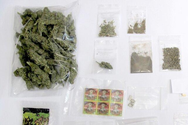 Diese Drogen wurden bei einer Durchsuchung in Altendorf entdeckt.
