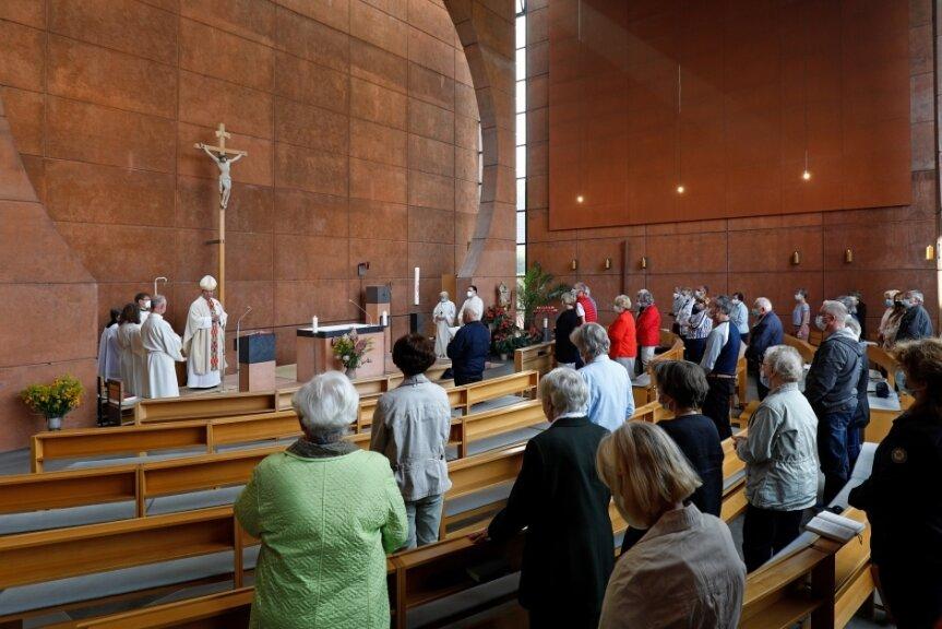 Vor 100 Jahren gab es den ersten katholischen Gottesdienst in Hohenstein-Ernstthal. Zu diesem Anlass lud die Kirchgemeinde St. Pius X. einen weit gereisten Gast zum Gottesdienst am Sonntag.