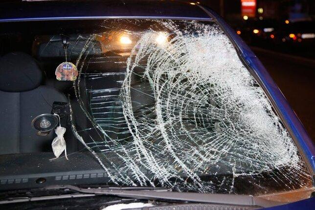 Chemnitz: Drei Fußgänger von Autos erfasst - ein Toter