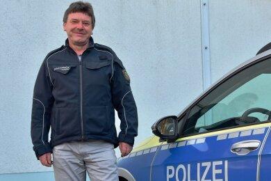 Als Sicherheitswächter ist Uwe Peters in Limbach-Oberfrohna neben der Polizei auch zum Schutz der Bürger da.