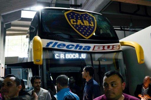 Der beschädigte Bus der Boca Juniors
