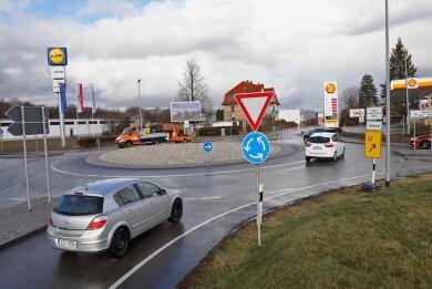 Über eine Aufwertung des Kreisels an der Äußeren Crimmitschauer Straße wird diskutiert. Foto:Andreas Kretschel/Archiv