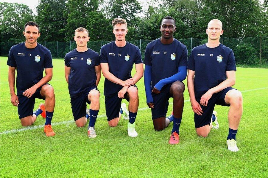 Die fünf Neuen des CFC: Marcelo de Freitas Costa, Nils Blumberg, Sören Reddemann, Tarsis Bonga und Clemens Schoppenhauer (von links).