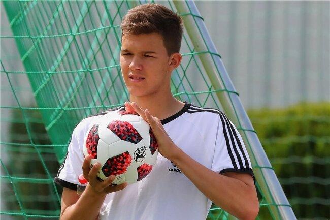 Emilio Ballack macht ein Praktikum beim Chemnitzer FC.