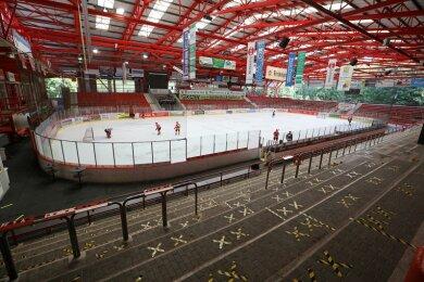 Die Eispiraten haben den Vorverkauf für das am Freitag geplante Testspiel gegen die Lausitzer Füchse vorsorglich gestoppt.