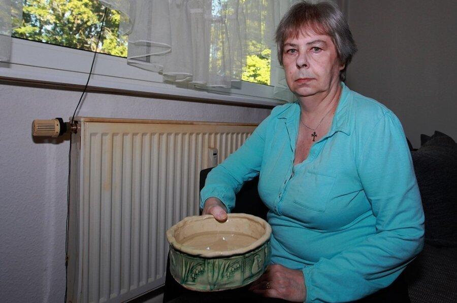 Gitta Siegel musste jeden Abend eine mit Wasser voll gelaufene Schüssel wechseln.