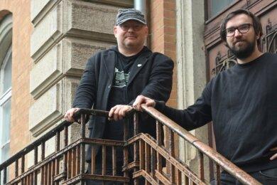 Engagiert für Populärmusik aus Chemnitz: Jörg Braune (links) von Radio T und Tobias Conrad vom Bandbüro an der früheren Schule.
