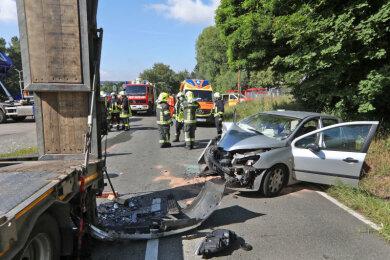 Bei einem Unfall im St. Egidiener Ortsteil Kuhschnappel sind ein Peugeot-Fahrer seine Beifahrerin am Freitagvormittag schwer verletzt worden.
