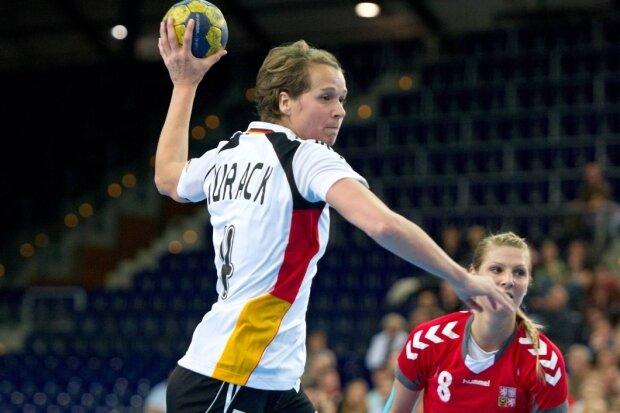 Grit Jurack bestritt am 7. Oktober 2012 in ihrer Heimatstadt Leipzig gegen Tschechien ihr letztes Spiel im Nationaltrikot. Zweimal WM-Bronze und zweimal WM-Torschützenkönigin, fünfmal Handballerin des Jahres - die heute 40-jährige Sächsin hat viel in ihrem Sport erreicht.