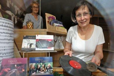 Steffi Grigo hat in ihrem ehemaligen Buchladen in Waldenburg eine Zweigstelle der Sächsischen Mozartgesellschaft eingerichtet und plant ein Ensembleprojekt für Kinder und Jugendliche.
