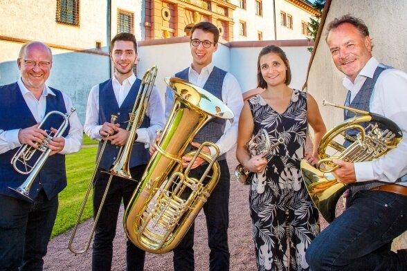 Während des Konzerts mussten sie sich trennen: die Musiker des Münchner Blechbläserquintetts Harmonic Brass.
