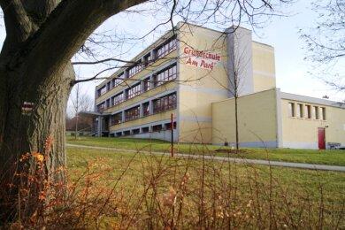"""Mehr Kinder als bisher werden die Grundschule """"Am Park"""" in Lengenfeld besuchen. Aus dem Grund soll ein Anbau für den Hort her."""