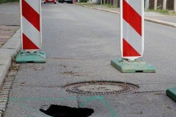 Die Decke der Bürgerstraße ist eingebrochen, die Straße wurde deswegen gesperrt.