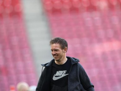 Leipzigs Trainer Julian Nagelsmann kommt ins Stadion.