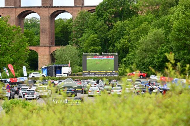 Am Dienstag geht das Fußball-Erlebnis der besonderen Art weiter.