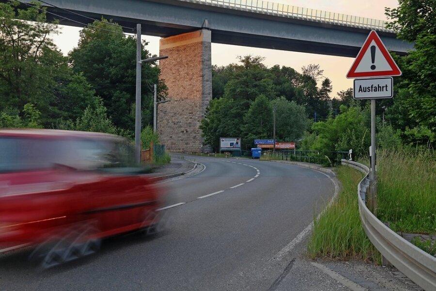 Ab der Autobahnbrücke Wilkau-Haßlau soll die S 277 bis nach Kirchberg eine neue Fahrbahndecke erhalten.